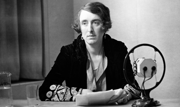 Vita Sackville-West broadcasting for BBC Radio, 1934