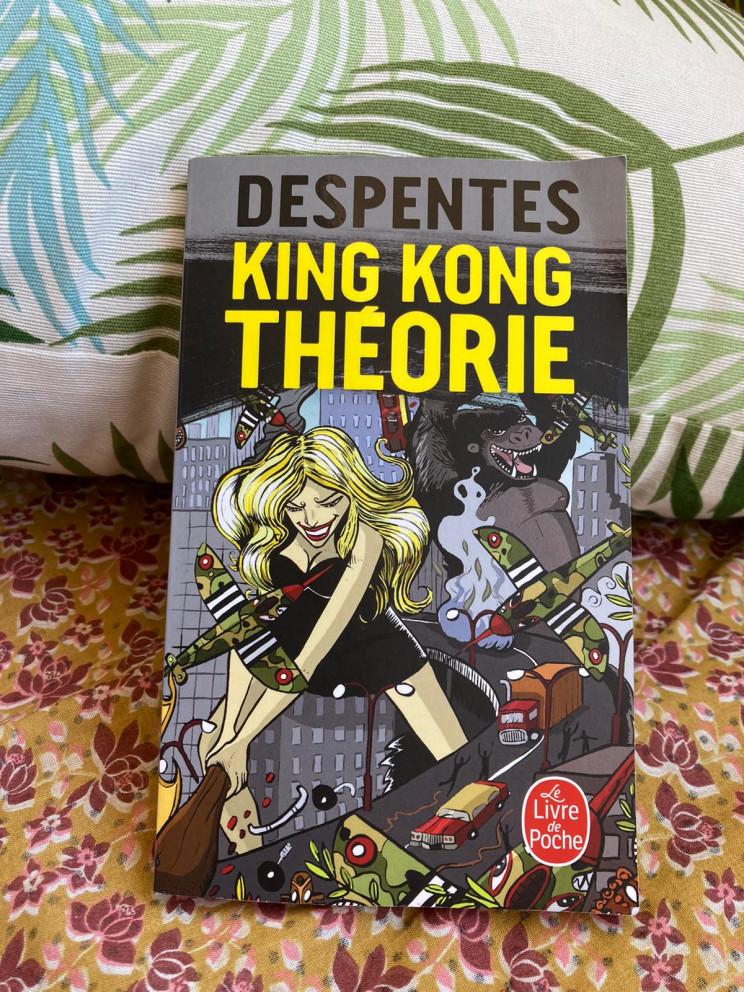 Teoría King Kong. Foto de Amélie Gazats.