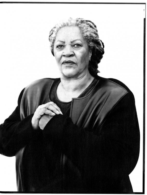 Toni Morrison por Richard Avedon, 2003.